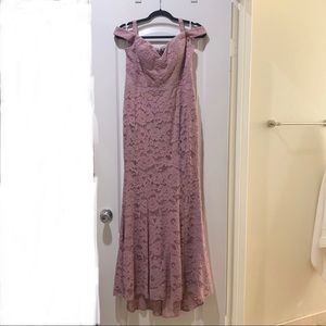 Lulu' lace gown.